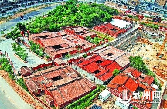 """包括庄氏家庙和蔡氏家庙在内的众多极具人文气息的古建筑、仿古建筑,都在晋江五店市传统文化街区中做了""""邻居""""。"""
