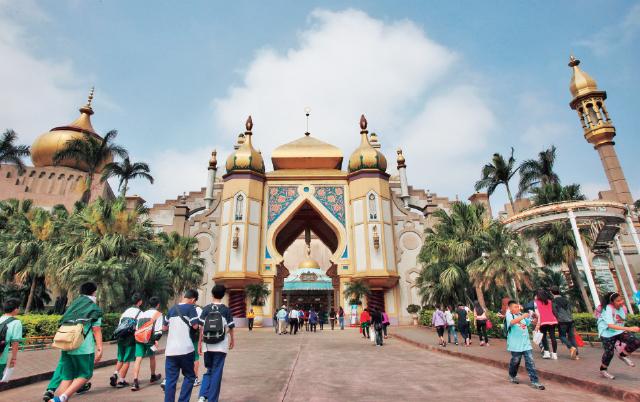 ▲六福村是全台來客數最多、最賺錢的遊樂園。